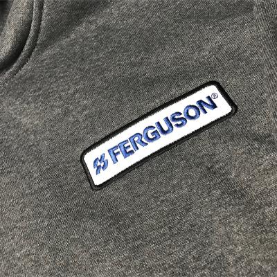 Sweatshirt embroiled logo